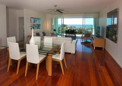 3 Bedroom Beach Front Dining Room